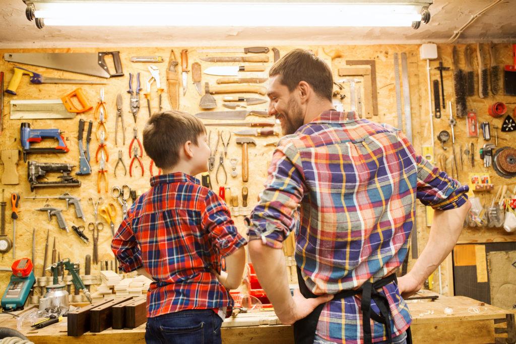 Handwerker und Sohn